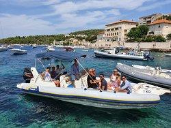 Speed boat Marlin - Private Hvar Tour 1