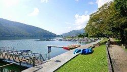 Morning walk at Liyu Lake