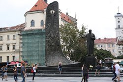 자유 광장의 타라스 동상