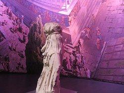 sei immerso nella vita di Pergamo...una tela iperrealista a 360°