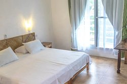 Studio Apartment with private kitchen, bathroom and small baclony