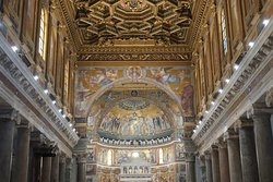 A fabulosa abside.