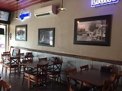 Lucky's Grill & Pub