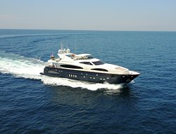 The Astondoa 102′ offers a fabulous experience to all charter guests.