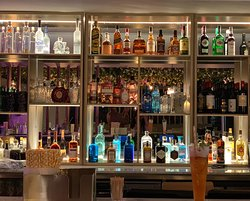 Fully stocked bar serving a wide range of spirits, wines, gins & cocktails