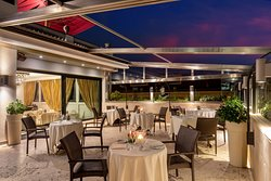 Il nostro ristorante Granet con terrazza