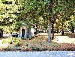 Историческая церковь в замечательном месте – 47