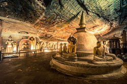 SRI LANKA CAR TOURS  Dambulla Caves