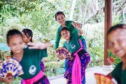 Balinese Dance Lesson Program