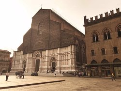 Basilica of San Petronio - The inauguration of the construction works date back to June 7th, 139.