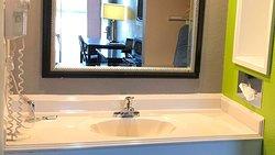 MH VirginiaBeach VirginiaBeach VA Guestroom Bathroom