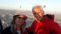 Nuestro vuelo en globo con la empresa Urgup Balloon fue muy placentero, sereno y nos permitió cumplir un sueño.....