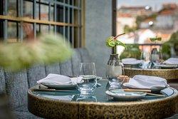 Varanda de Lisboa - mesas com vista para Castelo de S. Jorge