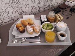 La colazione del Terrazzani suite per due persone.