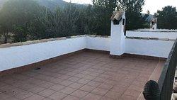 Terraza y vistas desde la casa: Pegota (3 dormitorios y 3 baños independientes)