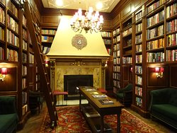 Hotel library