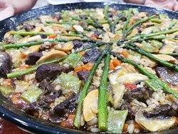 Paella de ternera retinta con verduras (por encargo)