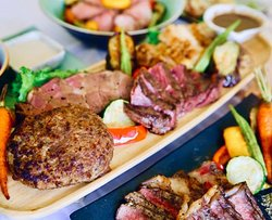 4 kinds meat plate   500,000vnd