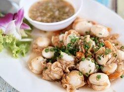 เมนูหอยเชลล์ผัดเนยกระเทียม ต้องสั่งอร่อยมาก
