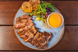 Marinated Grilled Skirt Steak with Chipotle Aioli Sauce