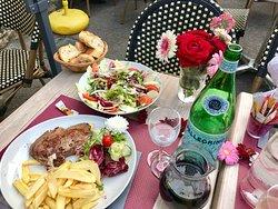 An evening @ Brasserie La Fontaine in Sant Cézaire sur Siagne.