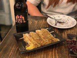 日式汁燒娃娃菜($22) 食得出娃娃菜燒之前已經烚過, 外面塗左少許醬汁和灑上孜然粉, 不過唔係好夠入味,有進步嘅空間。