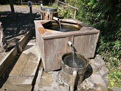 雨城庵の井戸