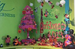 Chichi Shop Punda with Christmas theme for 2019   www.chichi-curacao.com