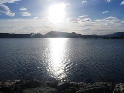 夕方近くの中海湖面