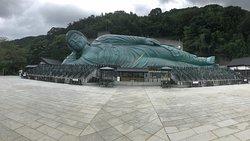 Le très grand Bouddha couché
