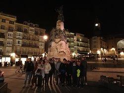 2019-10-31 free tour Muchas gracias. Ha sido un placer recorrer Vitoria-Gasteiz con turistas de distintas provincias. Muchas gracias
