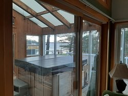 Hot tub on front deck/ views of lake