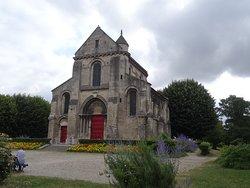 La square Saint-Pierre et l'église Saint-Pierre