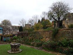 Snowshill gardens