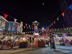 Marina Market at Central Marina