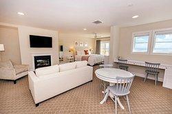 Superior Corner Suite