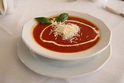 krem ze świeżych pomidorów z parmezanem