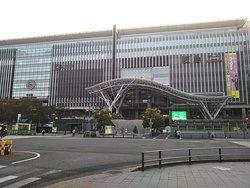 巨大な駅ビル