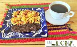 Desayuno / Breakfast Huevos al gusto + café $ 85.00 Eggs of your choice + coffee  $ 85.00