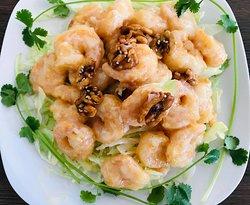 Honey Walnut Shrimp 核桃虾