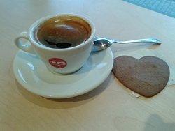 Bardzo dobra kawa z serduszkiem gratis