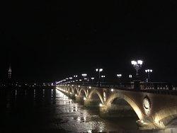 ボルドーといえばこの橋
