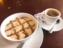 ポルトガル風カフェ&レストラン
