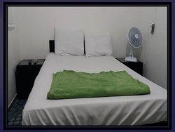 quartos funcionais mobiliados com TV digital  internet cozinha completa lavanderia e garagem ambiente monitorado 24 horas