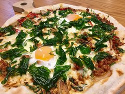 Chicken with Chili and Basil leaves pizza