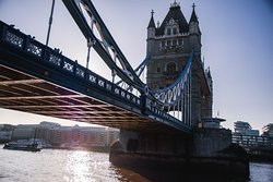 Tour photo of Tower Bridge by Andy