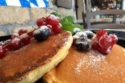 Pancake Frutti di Bosco e Sciroppo d'Acero