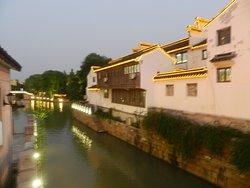 Case lungo i canali