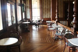 Inside of Veranda, also part of Floyd's Pub