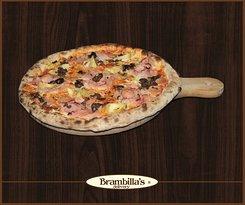 """Quattro Stagioni """"Pomodoro, mozzarella, cotto, carciofi, olive Taggiasche, würstel, origano, olio extravergine"""""""